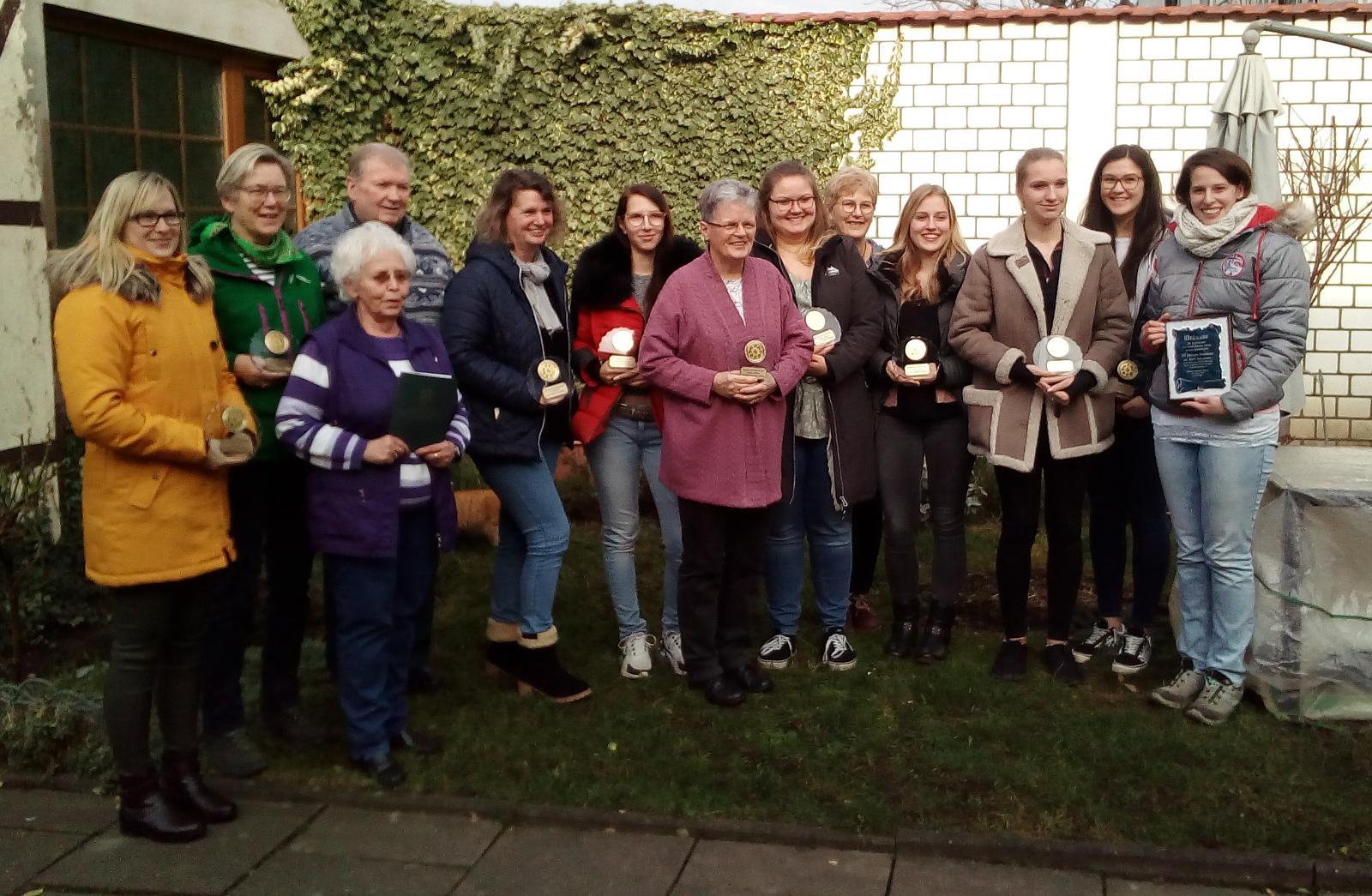 50 Jahre Hundesportverein Holzwickede Svenja Raupach im Bereich Vierkampf Jugend Markus Niemeier (nicht im Bild) im Bereich Geländelauf